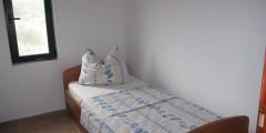 Romy soba 3-900